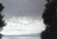 キレイな空・・・のハズが・・・.jpg